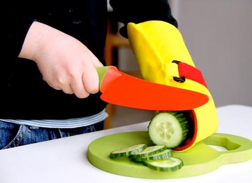 Låt barnen hjälpa till i köket